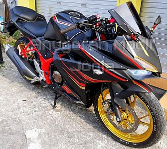 Modifikasi New CB150R ala CBR250RR V2