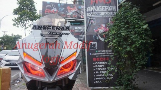 Full Fairing CBR250RR mix Body New CBR150 Facelift Silver Edition untuk NEW CB